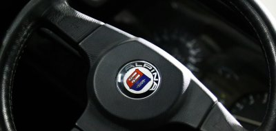 BMW M6 Alpina 1988 steering wheel