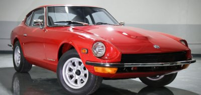 Datsun 240Z front right view