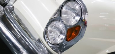 Mercedes Benz 220SE 1961 headlight