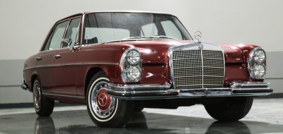 Mercedes Benz 280SEL 1972 front right view
