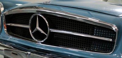 Mercedes Benz SL230 1965 hood emblem