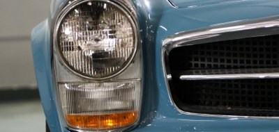 Mercedes Benz SL230 1965 headlight