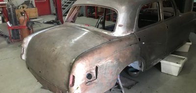 أعمال ترميم و إصلاح  سيارة مرسيدس بنز 220 موديل عام 1958