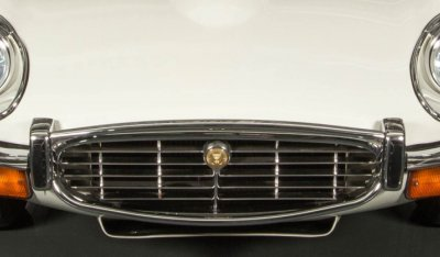 Jaguar E-Type 1971 front closeup view